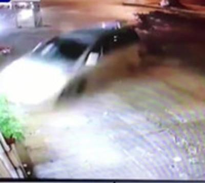 Violento accidente de tránsito es captado por cámaras de seguridad