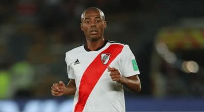 Jugador de River Plate, Nicolás de la Cruz, con orden de captura en Paraguay