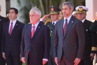 Mario Abdo Benítez recibe al presidente de Chile