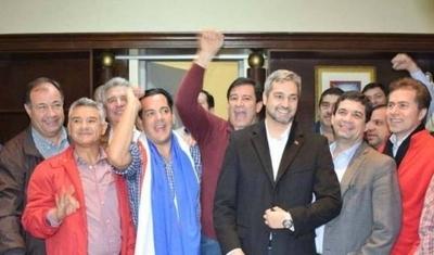 HOY / Senadores de Añetete esperan fecha para reunión con Abdo