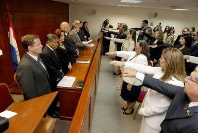 Nuevos magistrados prestaron juramento