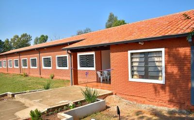 Inauguran mejoras en varias escuelas de Troche
