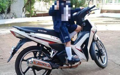 Hurtan motocicleta de estacionamiento en CDE