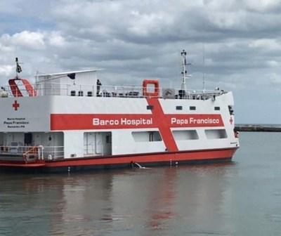 Barco hospital del papa Francisco en la Amazonía