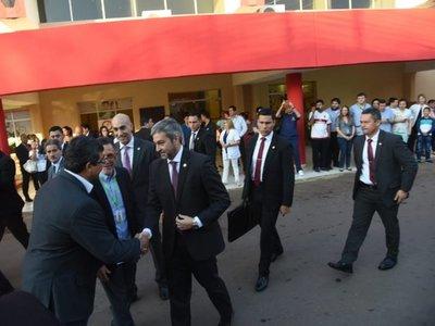 """Mario Abdo dice que escuchará a Cartes, pero """"no delegará sus atribuciones"""""""