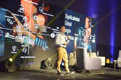 Exitoso taller sobre industrias de innovación