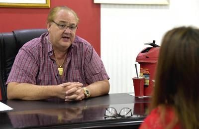 Gobernador del Alto Paraná ofrece «cuerpito latino» a director de Concierto en respuesta a denuncias de corrupción