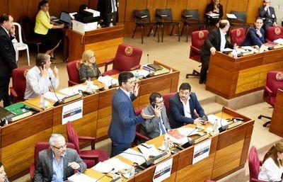 Ratifican ley que prohíbe uso de celulares en aulas