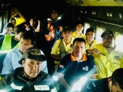De sol a sol, los bomberos luchan por salvar el Chaco