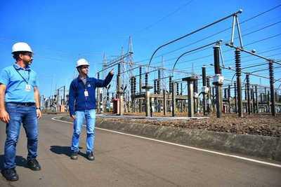 Itaipu realizó la inspección de sus líneas de transmisión de 500 kV