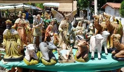 Expositores ofertan pesebres en Areguá •