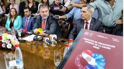 Hacienda plantea destinar USD 30 millones para urnas electrónicas