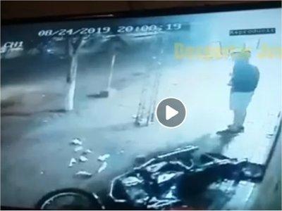 Motociclista quedó gravemente herido tras huir de control policial