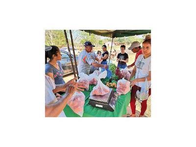 Ante crisis económica tomateros de Loreto organizan una feria