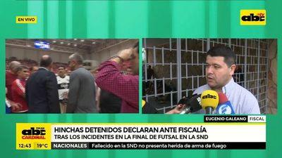 Hinchas detenidos tras incidentes en final de Futsal siguen declarando ante Fiscalía