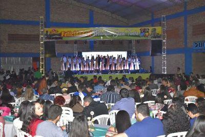 Unas 1.000 personas celebran en festival de Troche