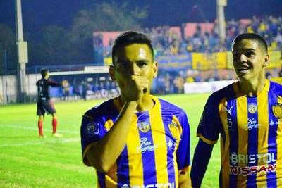 """El """"Chanchón"""" golea y avanza en la Copa Paraguay •"""