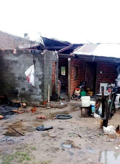 Casas dañadas en Yabebyry