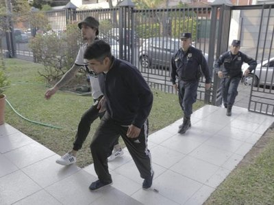 Fiscalía imputa a dos hinchas que fueron detenidos por muerte de joven