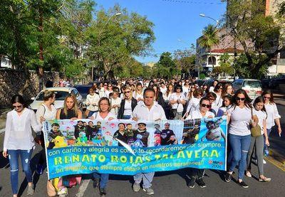 Marchan y piden justicia para Renato