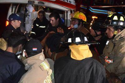 Seis heridos tras accidente de bus militar en Itapúa
