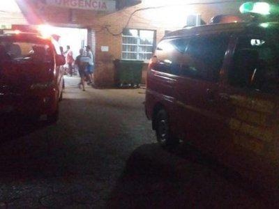 Asesinan de seis tiros a un joven frente a su casa