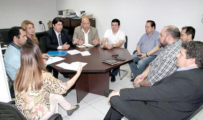 Técnicos del TSJE garantizan uso de las urnas electrónicas