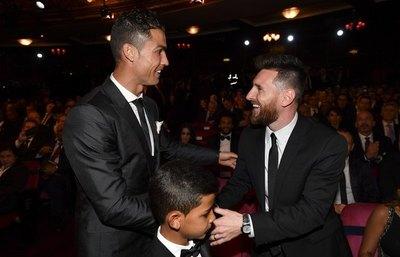 Messi, Ronaldo y Van Dijk son finalistas del premio FIFA 'The Best'