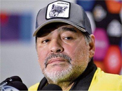 Maradona estuvo cerca de dirigir a dos paraguayos
