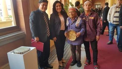 Distinguen a artistas con medallas al mérito «Maestro Artesano»