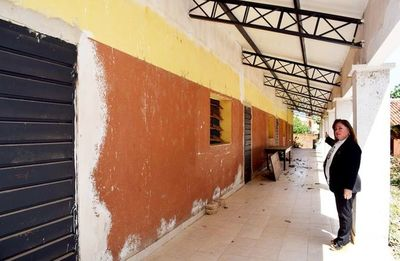 Remodelación de pabellón de escuela está paralizada