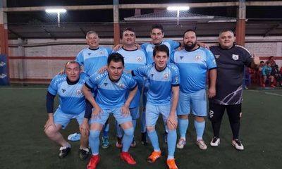 Uruguay sufre para ganar