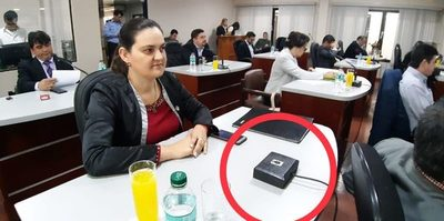Dejan sin micrófono a concejal que denuncia a gobernador del Alto Paraná