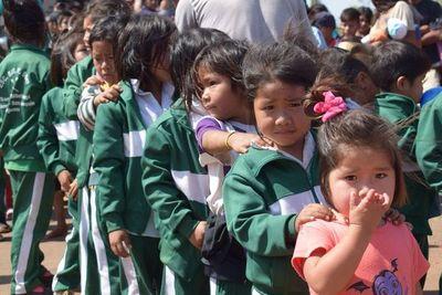 Niños de varias comunidades indígenas de Caaguazú fueron agasajados