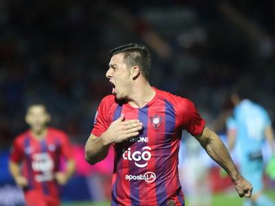 Churín anota el gol número 100 de Cerro en la Nueva Olla