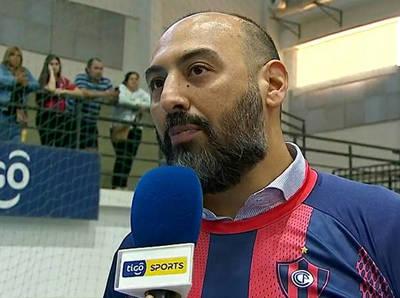 Raúl Zapag, contento por su primer trofeo con Cerro Porteño