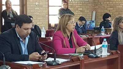 González de Aguinagalde busca armar mayoría contra Prieto