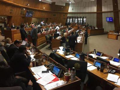 """Diputados tratarán ley """"antibarras"""" en 22 días"""