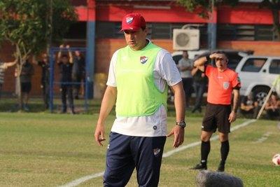 Nacional baraja tres técnicos para reemplazar a Bobadilla