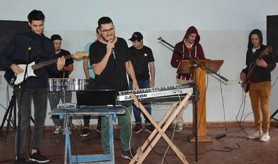 Banda de cumbieros de Tacumbú grabarán disco