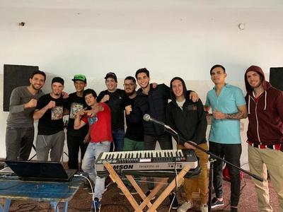 """""""Alta Gira"""", la banda musical de reclusos conformada en Tacumbú"""