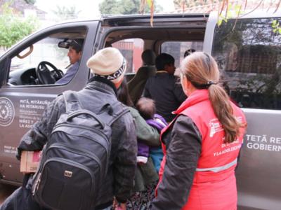 Rescatan a niños nativos de un 'depósito de personas'