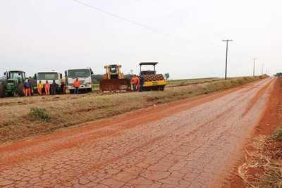 Gobierno inicia pavimentación de nuevos tramos en Itapúa