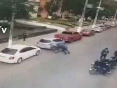 Motociclista atropelló a un zorro durante control