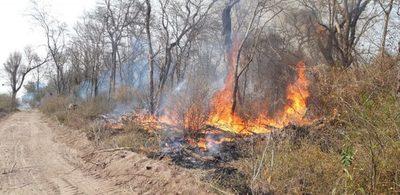 Focos de incendio en el Chaco: Llamas afectan a monumento natural