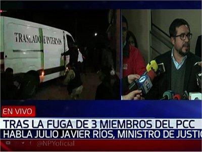 Ministro de Justicia critica falta de recursos tras fuga de reos