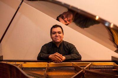 Pianista chileno actúa en Diapasón