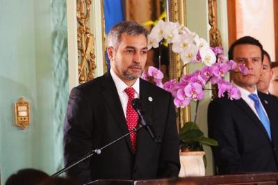 Presidente resalta el valor de la mujer paraguaya y agradece cooperación de EE.UU.