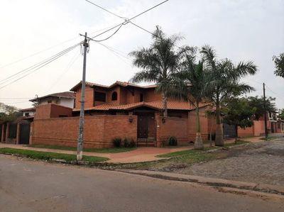 La lujosa casa donde Cucho quería cumplir prisión domiciliaria