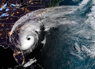 Dorian acorrala a Carolina del Norte y los muertos en Bahamas ascienden a 30